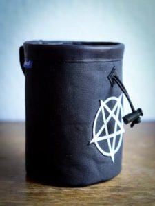 wildwexel chalkbag muster ornamente pentagramm